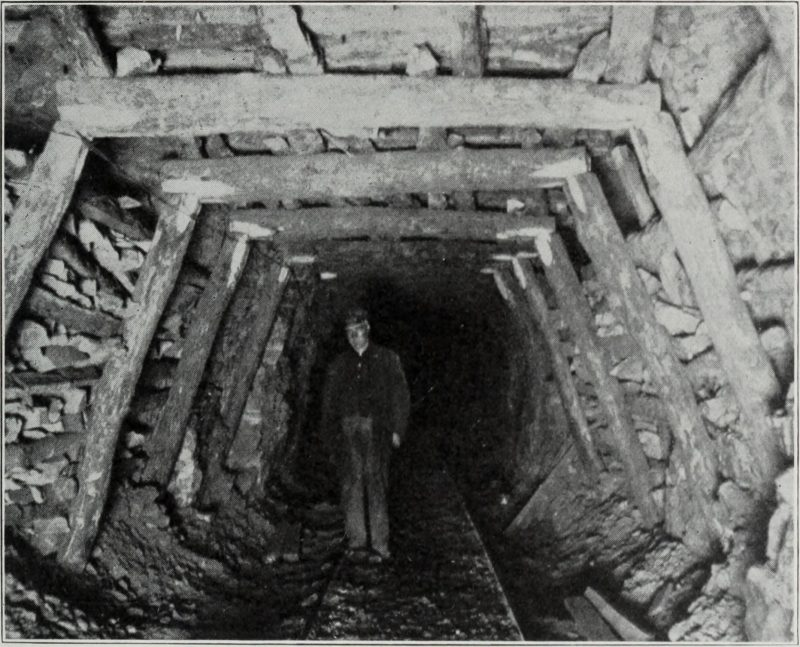 Coal Mining in Illinois 1915